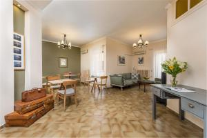 Hostels e Albergues - Galini Hotel