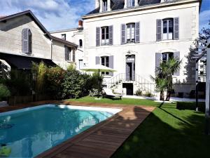 Location gîte, chambres d'hotes Chambres d'Hôtes Maison La Porte Rouge dans le département Deux Sèvres 79