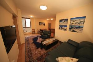 Cozy Apartment Next to Gondola