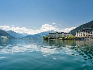 Mountain and Lake XL, Apartments  Zell am See - big - 39