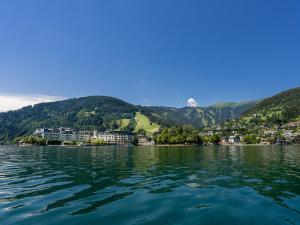 Mountain and Lake XL, Apartments  Zell am See - big - 40