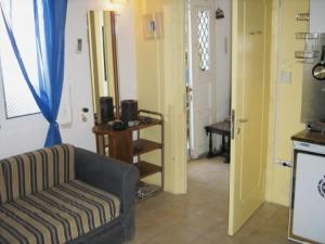 Adonis Guesthouse Andros Greece