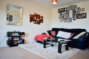 Modern apartment with private balcony - Bevendean