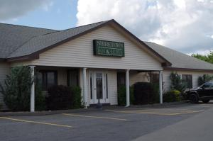 Shiretown Inn & Suites - Woodstock