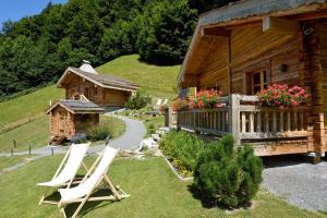 Le Hameau du Muveran, Les Plans-sur-Bex, Switzerland   J2Ski
