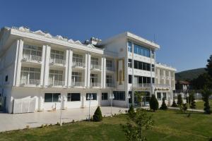 Mourouj Gloria White Palace Hotel & SPA