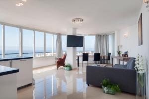 obrázek - Nice Apartment On The Beach With Wonderful Sea View
