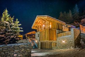 Chalet Alpino Six-Bedrooms - AbcAlberghi.com