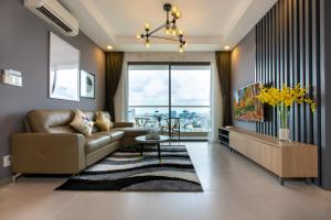 3BRs River View Rooftop Pool In the HEART HCM