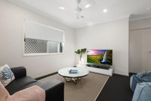 obrázek - Luxury Home close to Sleemans, QE2 Hospital & Griffith Uni