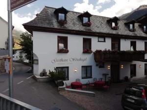 Gasthaus Weisskugel - Sluderno