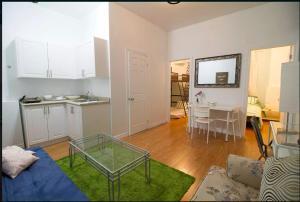 obrázek - 2 Bedroom apt. near Kensington Market unit 5