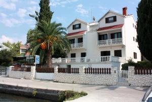 Twin Room Seget Vranjica 5160a, Guest houses  Trogir - big - 16