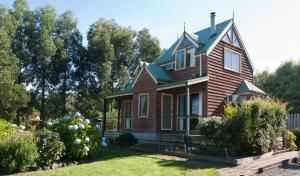 Blue Johanna Cottages - Wattle Hill