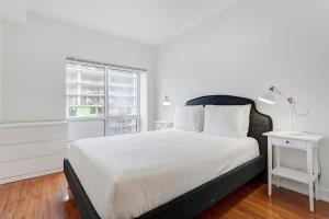 Palais-des-Congrès Furnished Apartments by Hometrotting, Apartmány  Montreal - big - 99