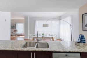 Palais-des-Congrès Furnished Apartments by Hometrotting, Apartmány  Montreal - big - 112