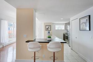 Palais-des-Congrès Furnished Apartments by Hometrotting, Apartmány  Montreal - big - 116