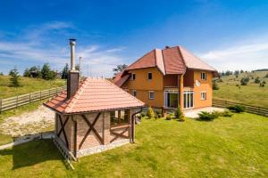 Planinska kuca Marić - Hotel - Mitrovac