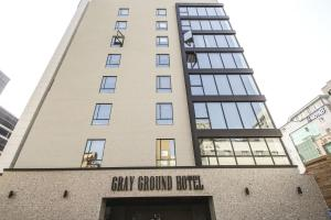 Gray Ground Hotel