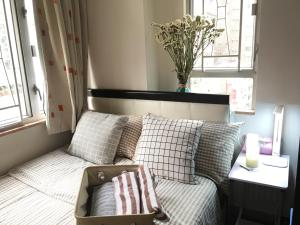 obrázek - Warm and cozy big apartment next to wanchai MTR