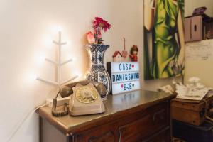 Casa Dani&Swing Bed&Books