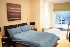 Spacious 1 Bedroom Apartment, Ferienwohnungen  London - big - 2