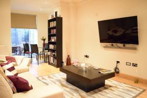 Spacious 1 Bedroom Apartment, Ferienwohnungen  London - big - 5
