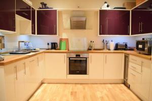 Spacious 1 Bedroom Apartment, Ferienwohnungen  London - big - 9