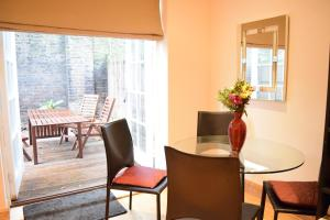 Spacious 1 Bedroom Apartment, Ferienwohnungen  London - big - 11