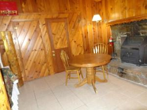 Mountain Trail Lodge and Vacation Rentals, Лоджи  Окхерст - big - 20