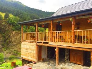 Posholi Guest House - Nikhaloy