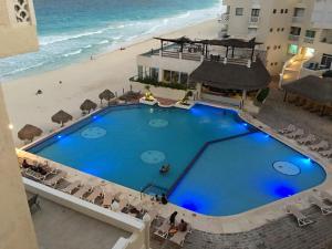 Cancun Plaza Condo Apartment