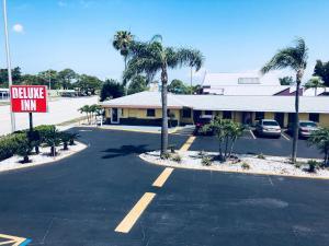 Deluxe Inn - Sarasota, Мотели  Сарасота - big - 1