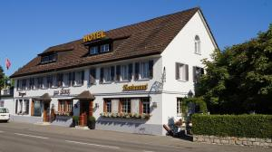 Hotel Restaurant Kreuz - Kadelburg