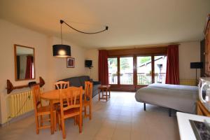 Apartamentos Turísticos Pobladó - Hotel - Pal-Arinsal