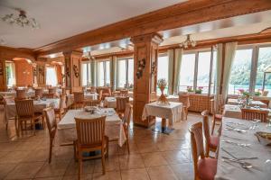Albergo Mezzolago, Hotels  Mezzolago - big - 41