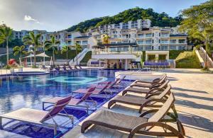 Planet Hollywood Beach Resort ..