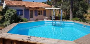 Accommodation in Les-Pennes-Mirabeau