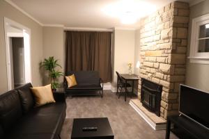 obrázek - Comfortable Convenience House near Rideau Canal & University