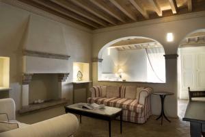 Castello di Velona Resort Thermal SPA & Winery, Hotels  Montalcino - big - 2