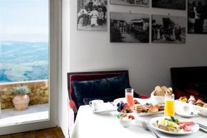 Castello di Velona Resort Thermal SPA & Winery, Hotels  Montalcino - big - 39