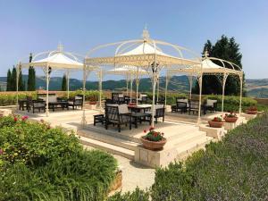 Castello di Velona Resort Thermal SPA & Winery, Hotels  Montalcino - big - 57