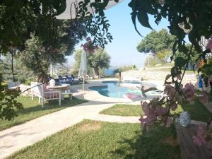 Luxury Double Room with Shared Pool
