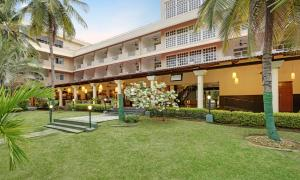 Royal Orchid Resort & Convention Centre, Rezorty  Bangalore - big - 1