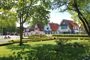 Haus Hubertus, Ferienwohnungen  Ostseebad Boltenhagen - big - 69