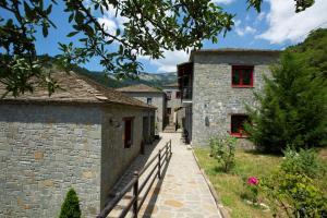 Rouista Tzoumerka Resort  Greece