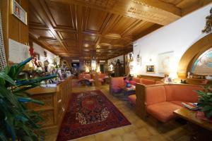 Hotel Alpi, Szállodák  Malcesine - big - 38