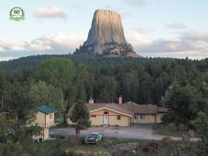Devils Tower Lodge - Accommodation - Devils Tower