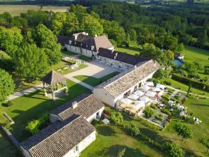 Location gîte, chambres d'hotes La Chartreuse du Bignac - Les Collectionneurs dans le département Dordogne 24