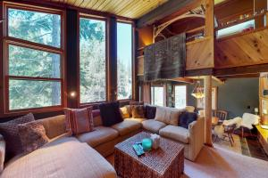 Treehouse in the Mountains - Hotel - Alpine Meadows